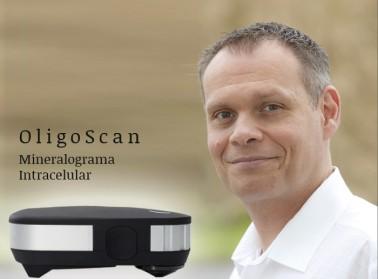 El Dr. Raymond Pahlplatz en el seminario Oligoscan